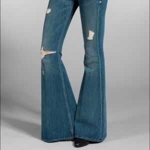 Seven Jeans Bell Bottoms Jeans Distressed 31